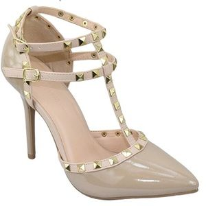 Valentino Rockstud Knock Off/Dupe Heels in Nude